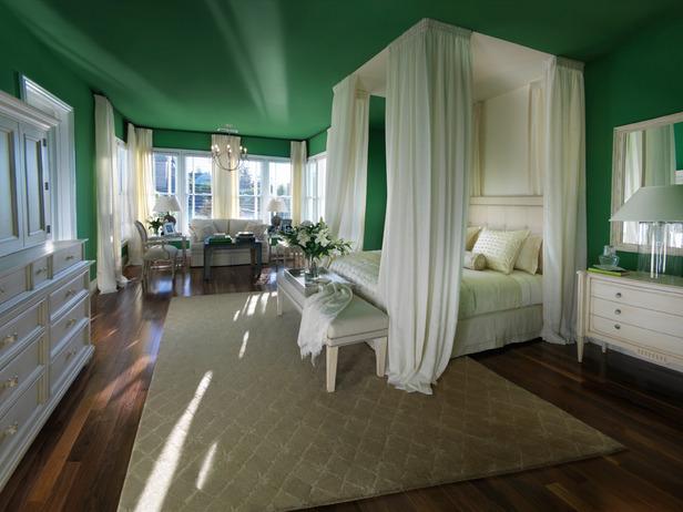 Grandma Florida's room is ALREADY green!