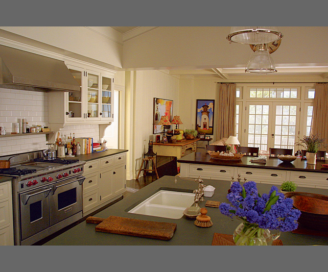 """Kitchen from """"Something's Gotta Give""""...a movie I watch JUST for the house!"""