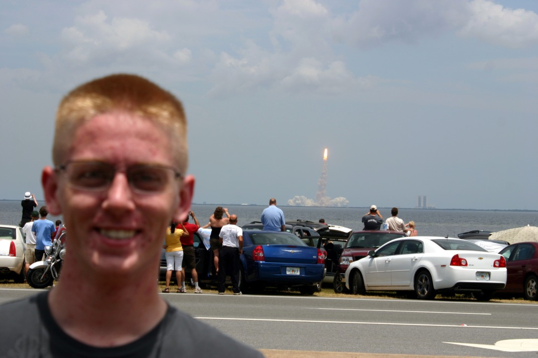 It's a SHUTTLE LAUNCH!