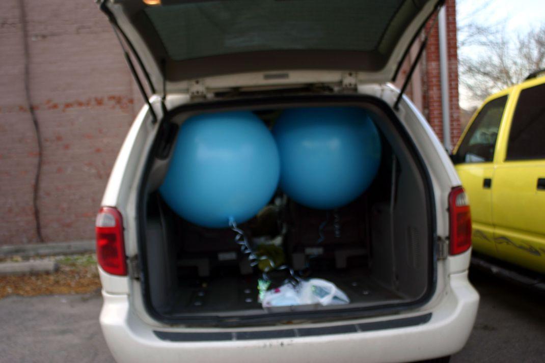 momvanballoons-1