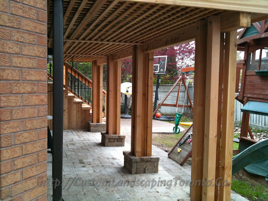 Custom-Landscaping-Toronto-interlock-and-deck04
