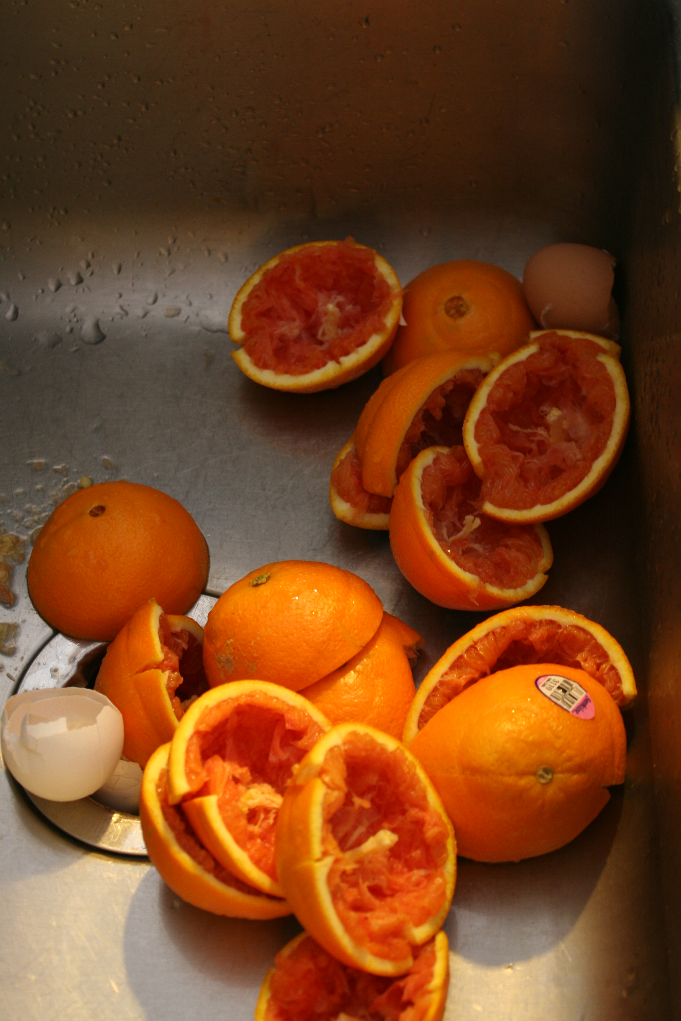 Oranges in the sink